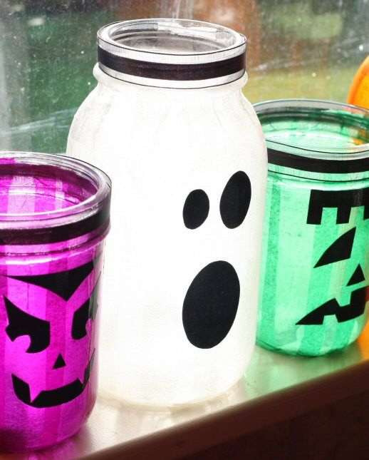 20 Of The Best Mason Jar Projects | Decorate them for the holidays!