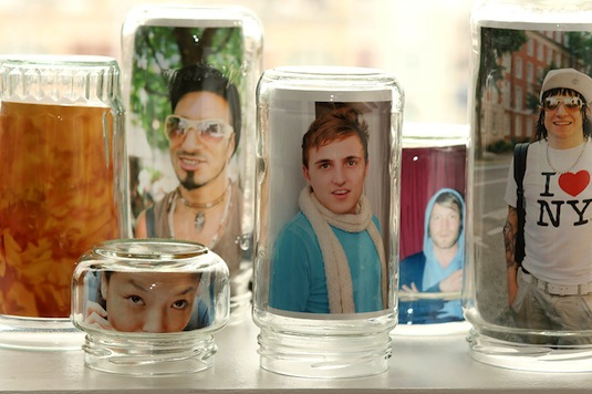 20 Of The Best Mason Jar Projects   Use mason jars as picture frames!!