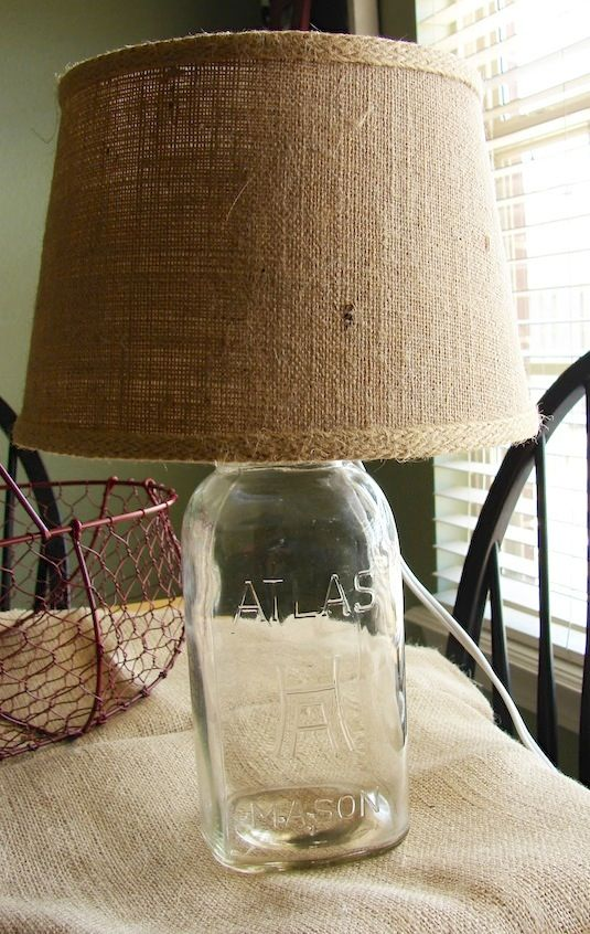 20 Of The Best Mason Jar Projects | Use them as a lamp base. You could even fill it with a few items that match your room's decor.
