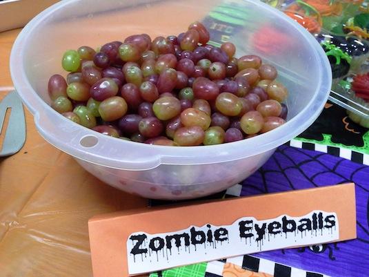 Easy zombie eyeballs healthy Halloween snacks ideas.