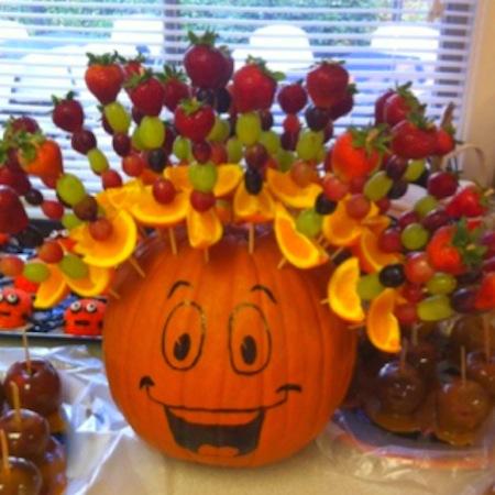 Fruity pumpkin afro healthy Halloween snacks recipes.