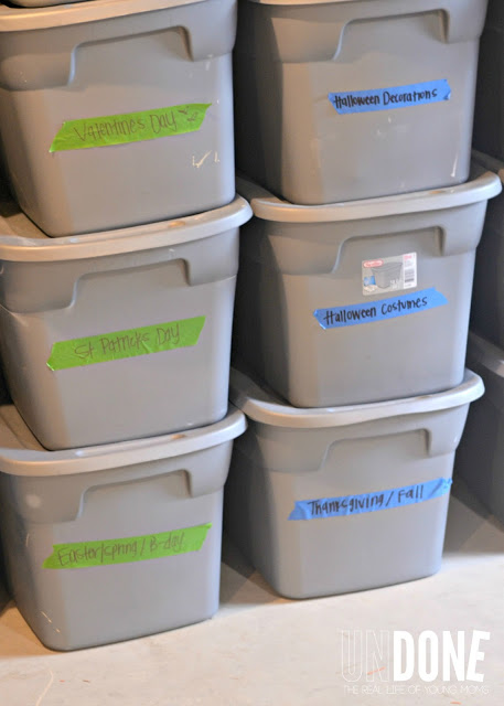 Use bins for seasonal items so you can easily identify what needs to be stored in the garage. - Lots of clever moving, packing and organizing tips for houses, apartments and out of state or long distance moves! Moving into a new house? Here you will find clever moving hacks everyone should know, including a moving checklist. Listotic.com