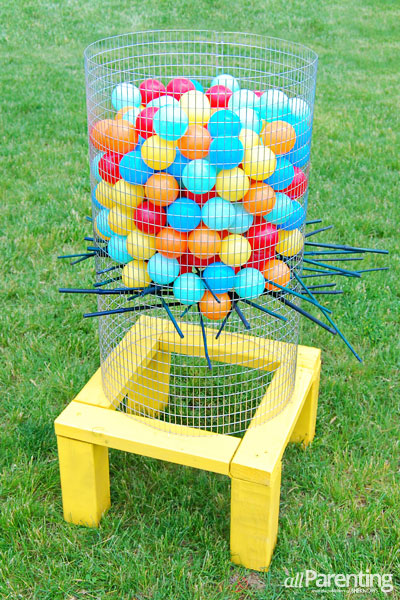 32 Of The Best DIY Backyard Games You Will Ever Play - DIY Kerplunk game! Use chicken wire and wood. The balls can be purchased on Amazon.