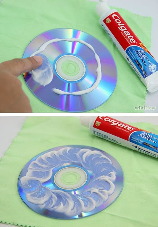 How to get rid of scratches on CDs with toothpaste -- Clever DIY life hacks every girl should know! For organization, crafts, ideas, beauty, school, home or just little tips and tricks that will make your life easier. Listotic.com