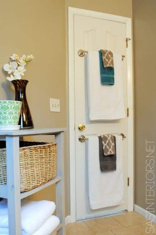 #5. Use the back of a bathroom door to hang towels! | A ton of clever hacks and storage ideas for small spaces, homes and apartments! Small bedroom, bathroom, living room and kitchen ideas on a budget (DIY and cheap). Small space living isn't so bad! Even with kids. Listotic.com