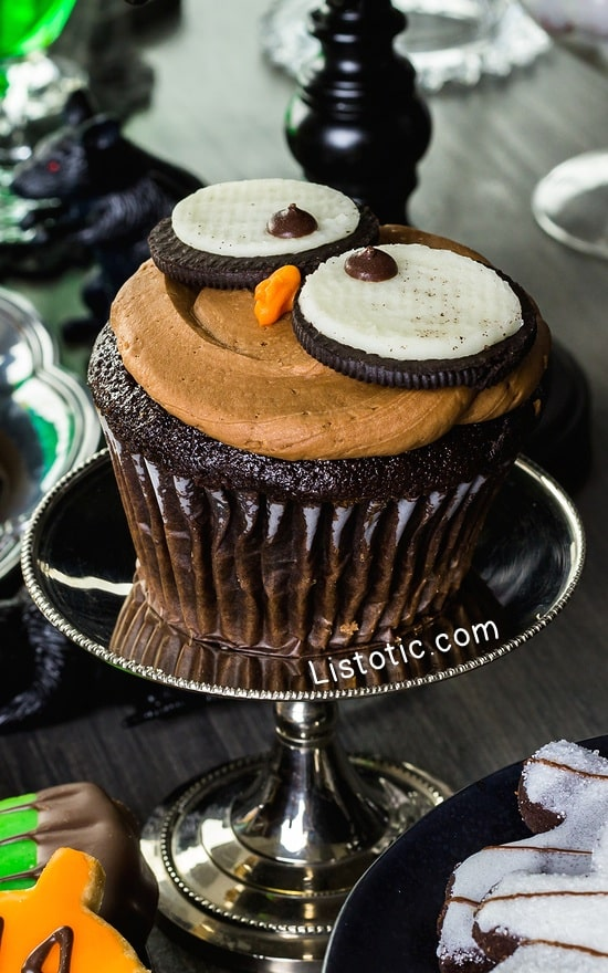 #13. Oreo Owl Cupcakes | 15 Super Easy Halloween Treats To Make