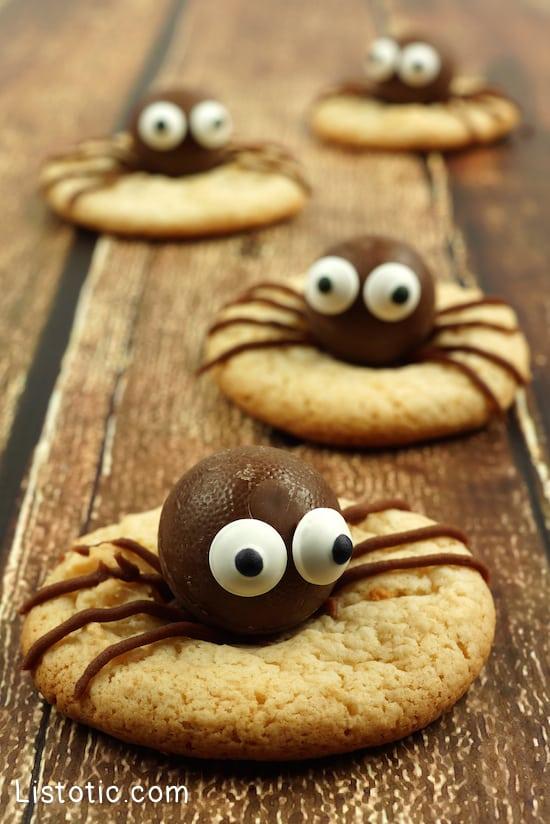 #2. Spider Cookies | 15 Super Easy Halloween Treats To Make