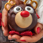 Super Easy & Cute Reindeer Cupcakes