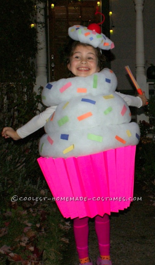 30 Easy DIY Halloween Costumes For Kids (Boys and Girls!) | How to make a DIY cupcake costume!
