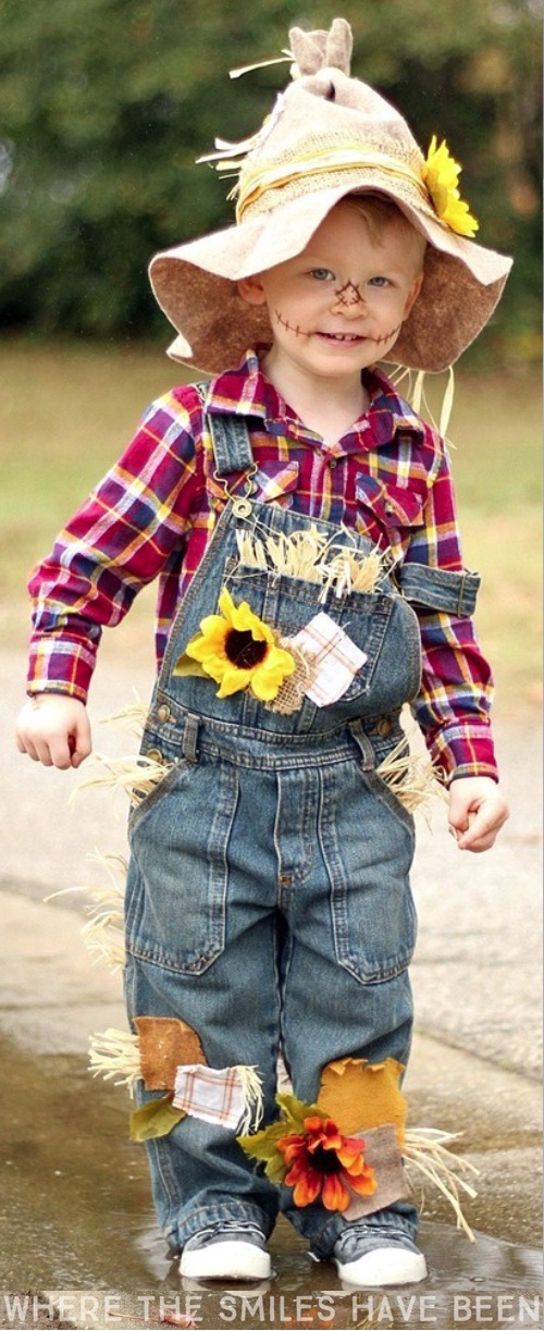 30 Easy DIY Halloween Costumes For Kids (Boys and Girls!) | Homemade Scarecrow Costume for Kids-- would be cute with other wizard of oz characters in the family!