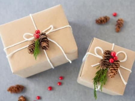 Pine cone gift toppers for quick wrapping.