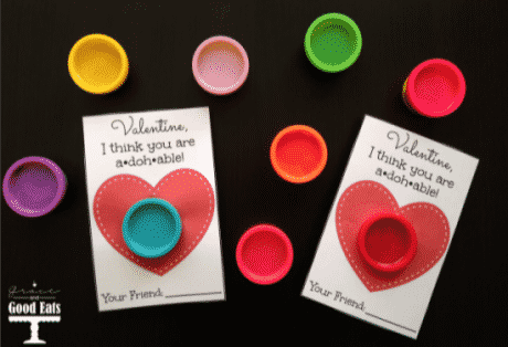 Free printable for Playdoh valentine gifts.
