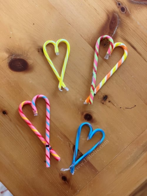 By connecting two candy canes it creates the perfect valentine's day candy cane heart.