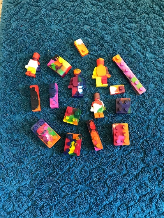 Use old crayons to make crayons that look like Lego pieces.