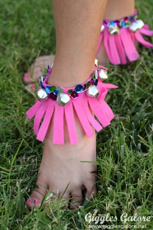 Easy DIY musical fringe anklet with bells for you to move to the beat while creating fun music.