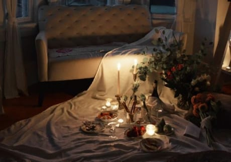 good stay at home date night ideas for married couples that are romantic and cheap to DIY.