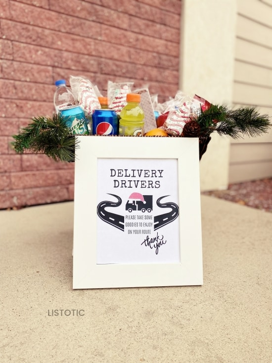 sign for delivery drivers by a door