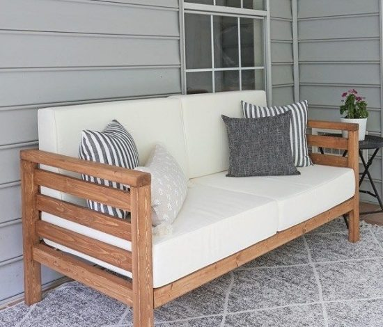 DIY Outdoor Stained Wood Couch projec
