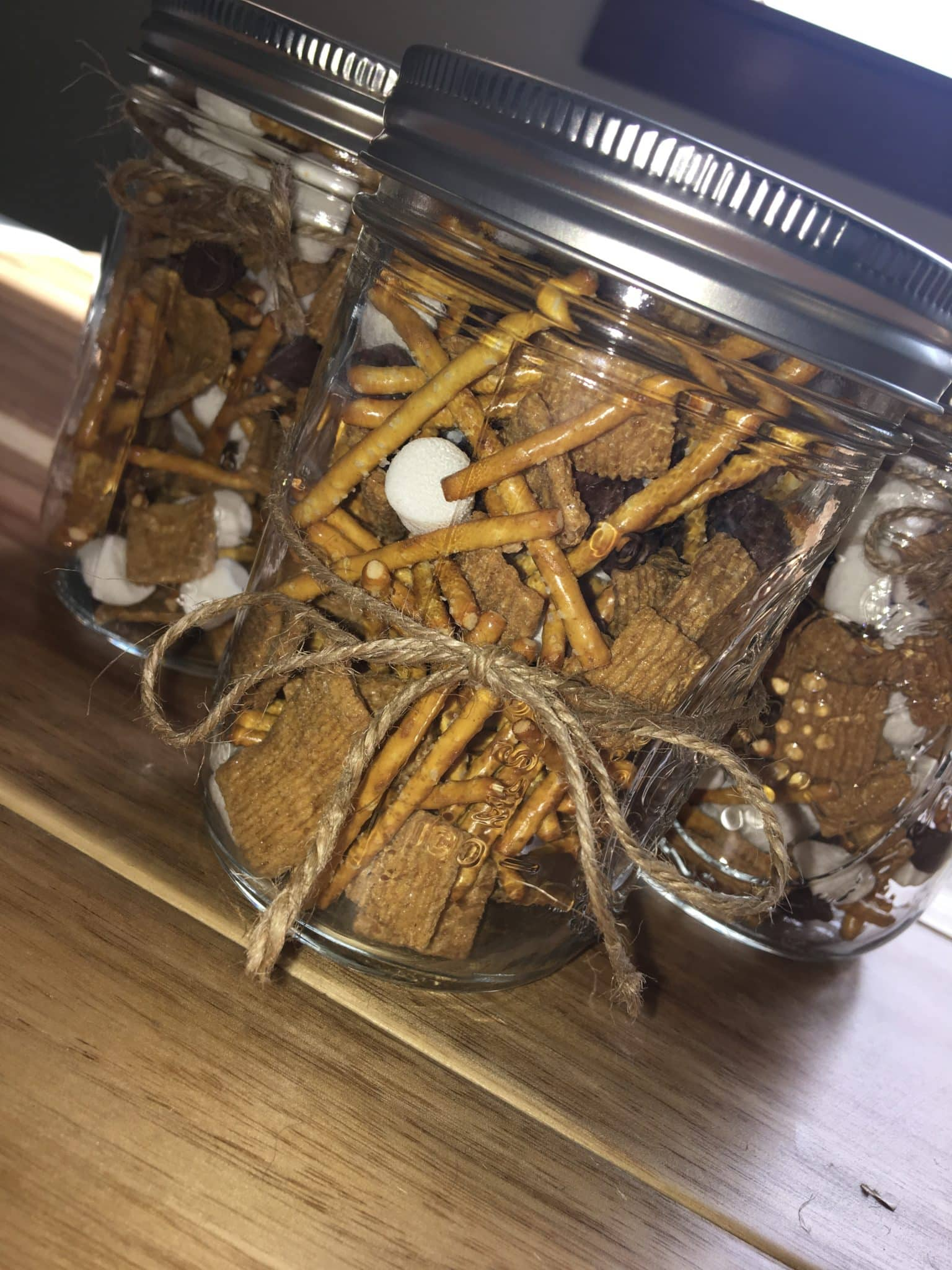 Smore snack mix gift in mason jar.