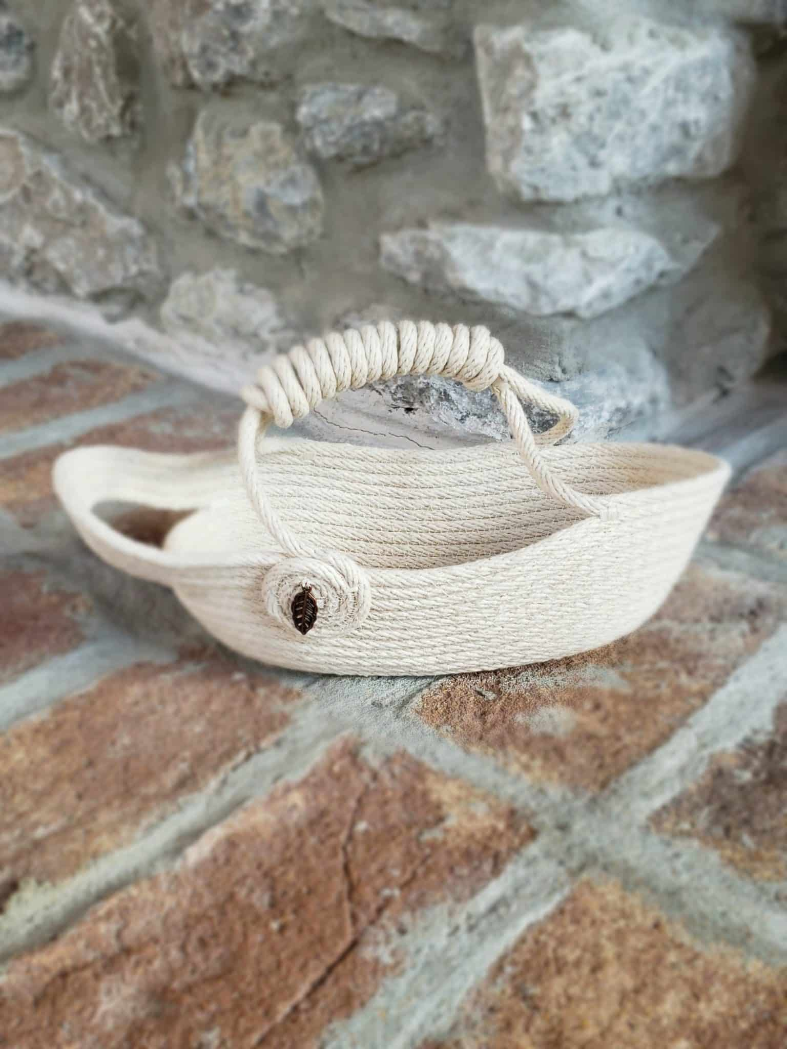 wine basket carrier ready to be filled with a bottle of wine as a gift for bff's birthday