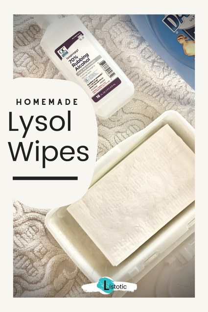 Öffnen Sie die Schachtel mit Babytüchern und einer Flasche Alkohol und Spülmittel im Morgengrauen, um DIY-Lysol-Tücher herzustellen