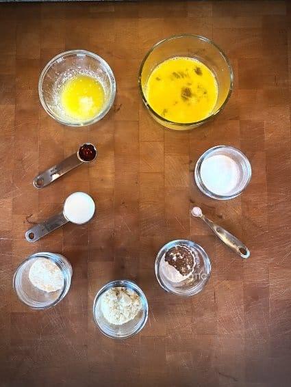 ingredients to make a microwave keto mug cake
